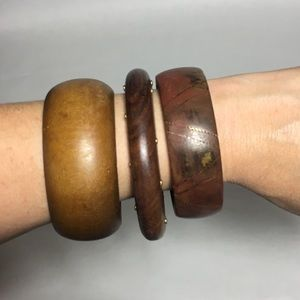 Jewelry - Set of wooden bracelets
